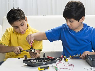 It's Time To Let Our Kids Tinker